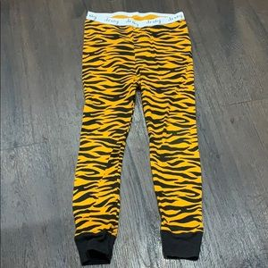 Old navy pajama pants tiger stripes 4t 4 pjs